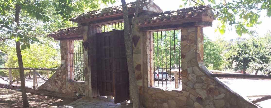entrada-a-la-villa-rural